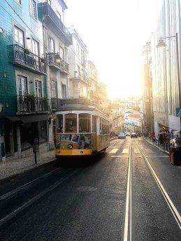 Tram_mit_tollem_Licht